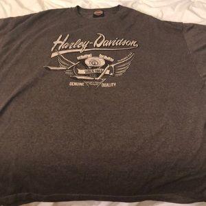 Harley Davidson shirt.
